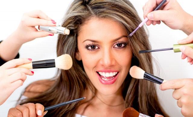 Работа в сфере красоты для девушек работа девушка модель причесок